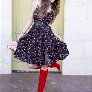 Lulu's black floral print midi dress